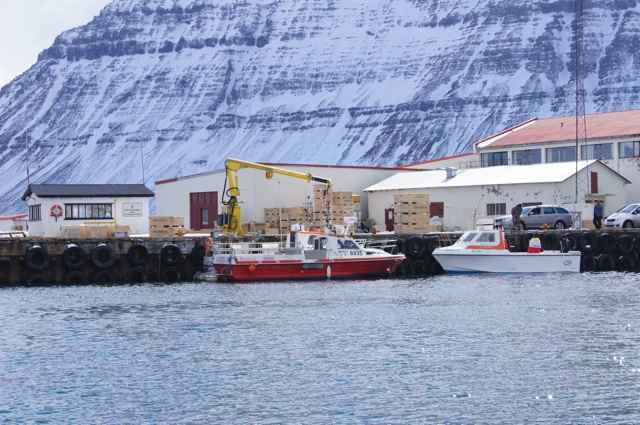 Angelboote in Flateyri auf Island