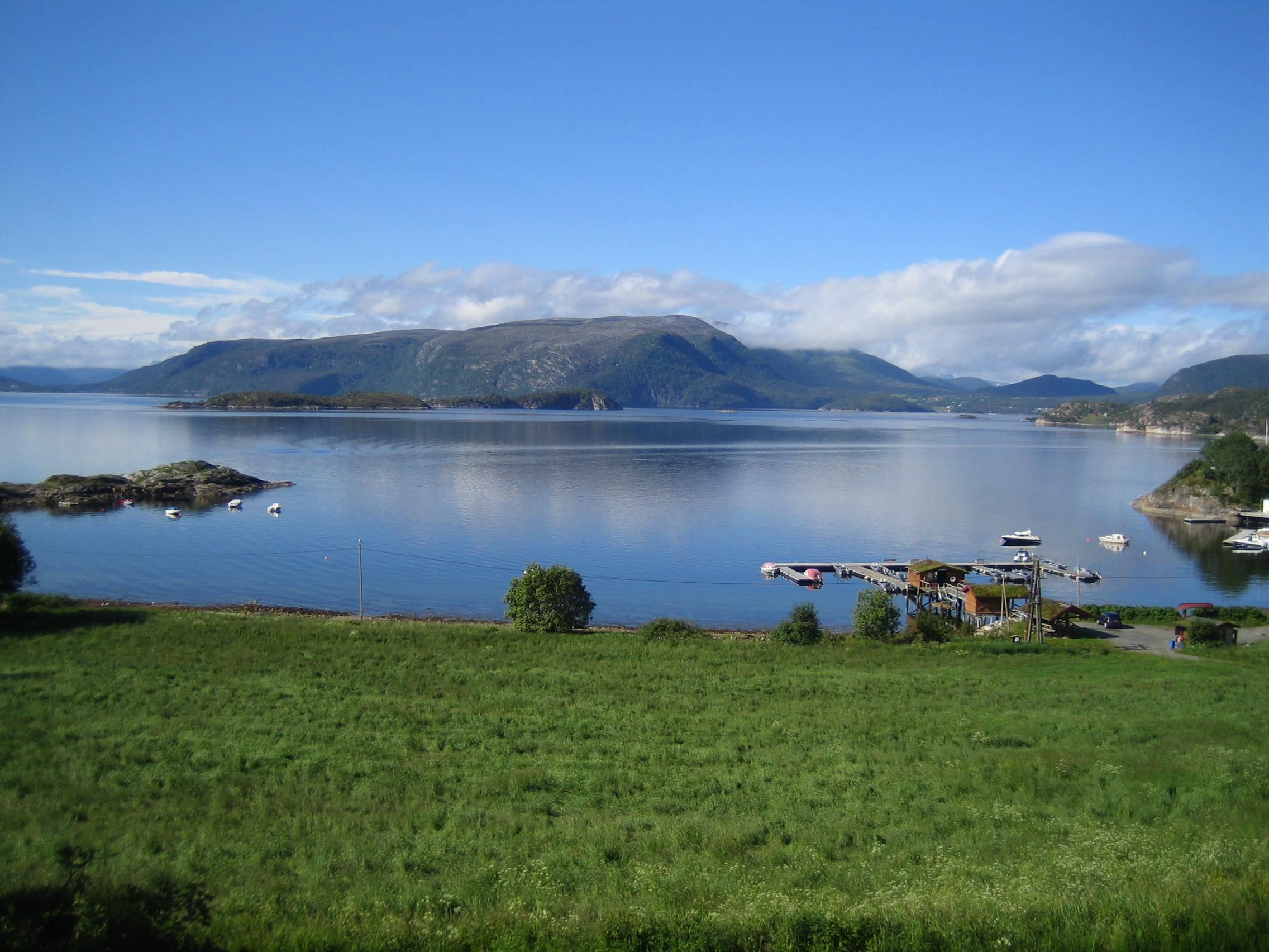 Blick auf den Fjord in Rottem